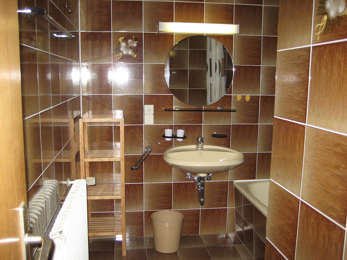 Gästehaus Groß - Fewo 2 - Badezimmer