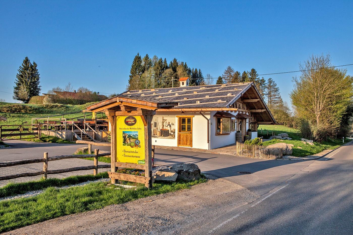 Schönegger Käsealm - Verkauf und Brotzeitstube im Gründl