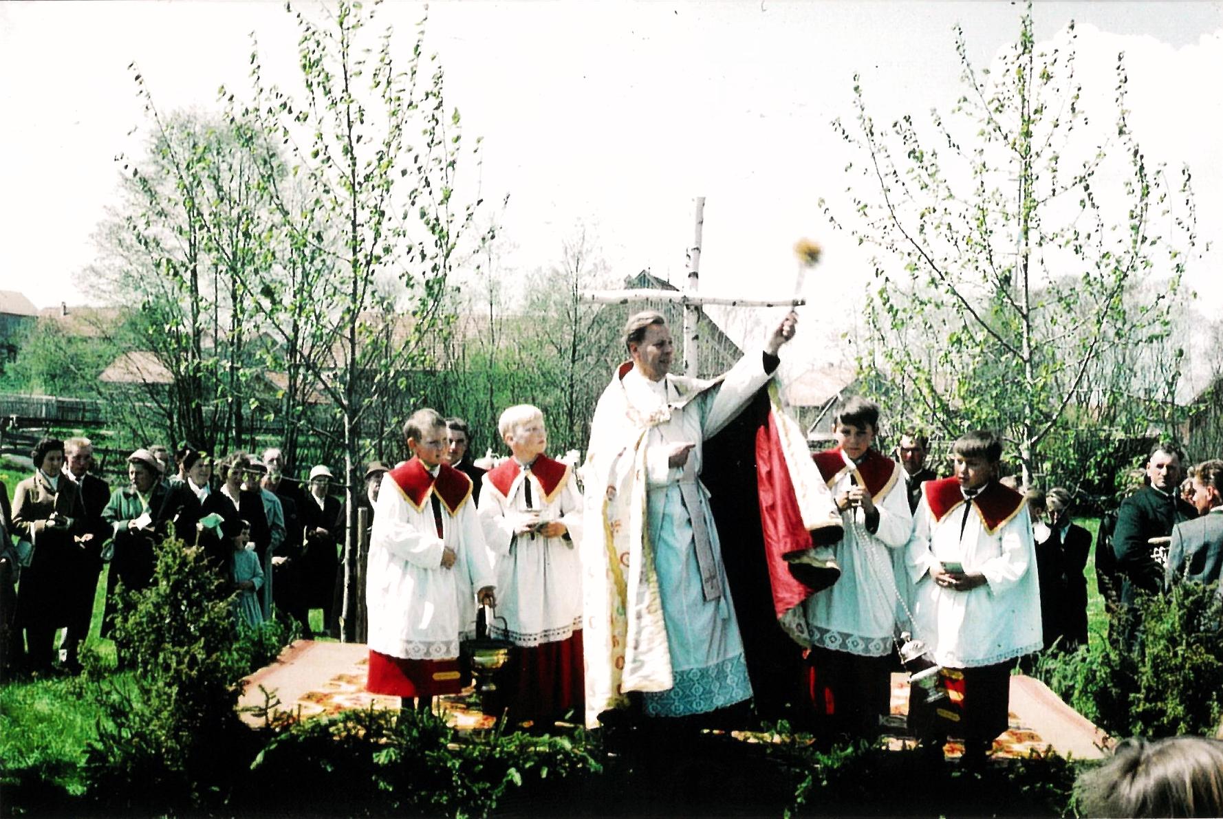 Fahrzeugsegnung am 23. Mai 1960 durch Pfarrer Steiger